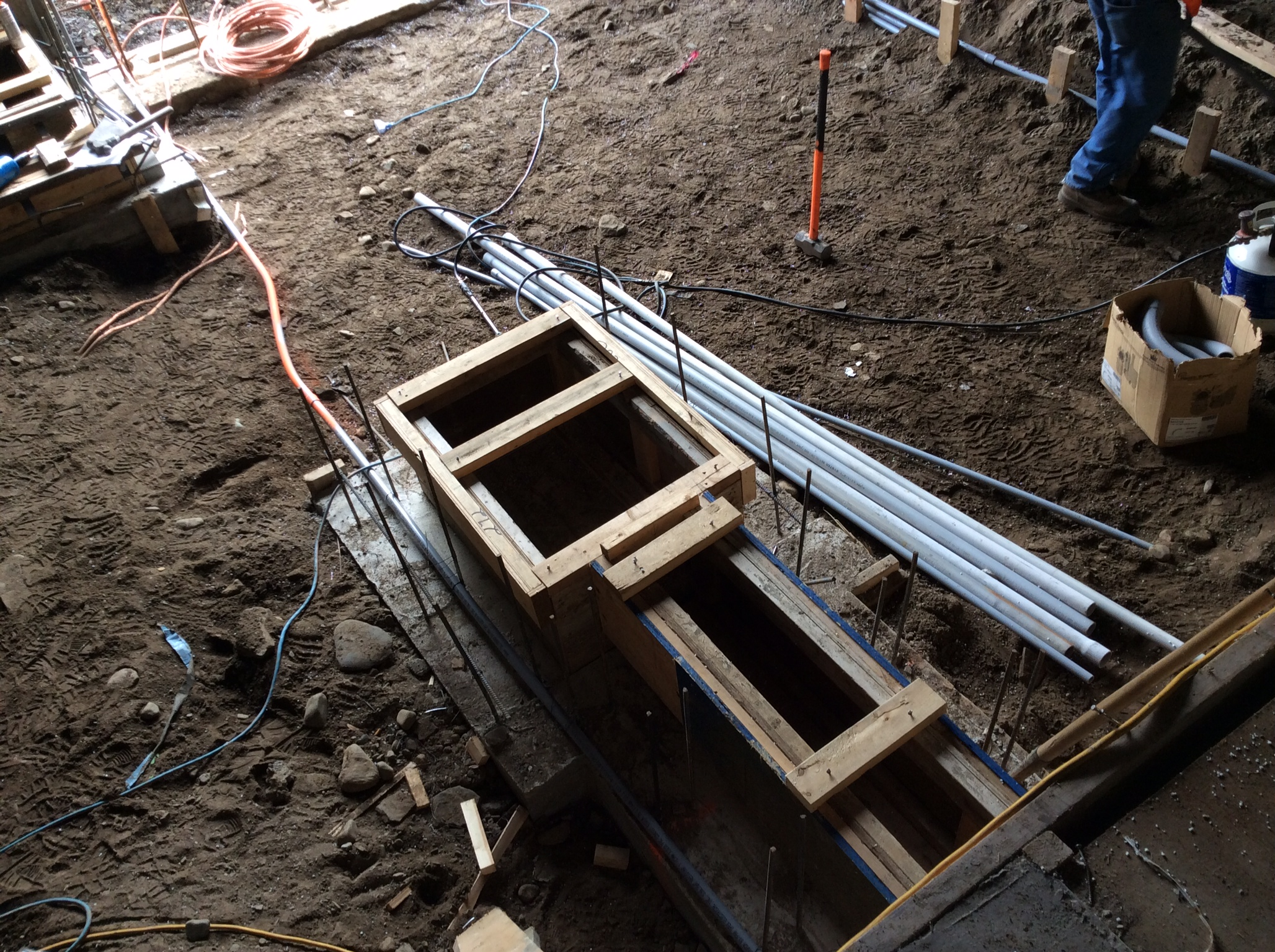 Framing of trench